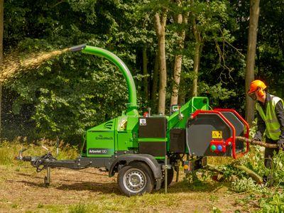 Arborist 130 Side En1s